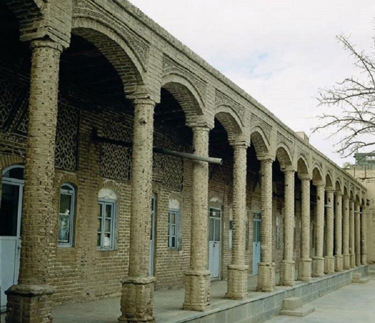 مدرسه رشدیه تبریز؛ آیا میدانید شیوه نوین آموزش با چه مشقتهایی وارد ایران شد؟