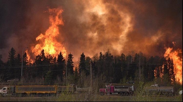 دولت کانادا برای مهار آتش سوزی از پهبادها کمک می گیرد