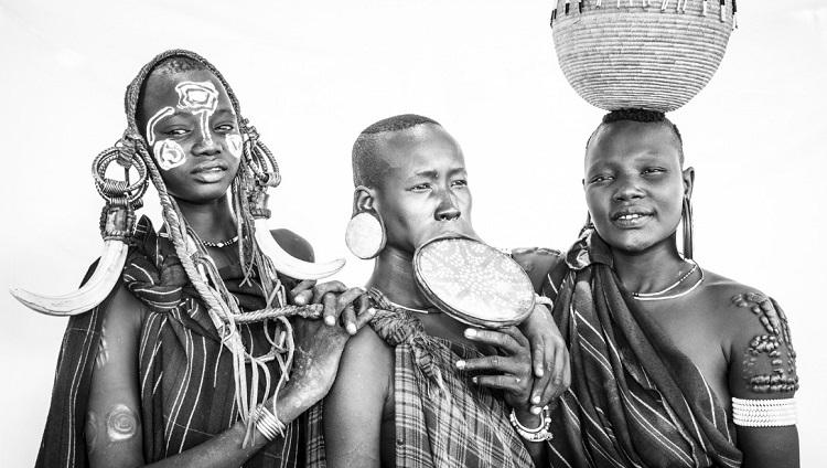 ظاهر و پوشش عجیب مردم قبیلهای در اتیوپی