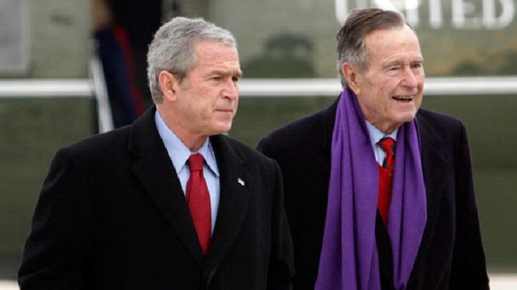 """گمانهزنیها درباره حمایت """"بوش"""" پدر از هیلاری کلینتون"""