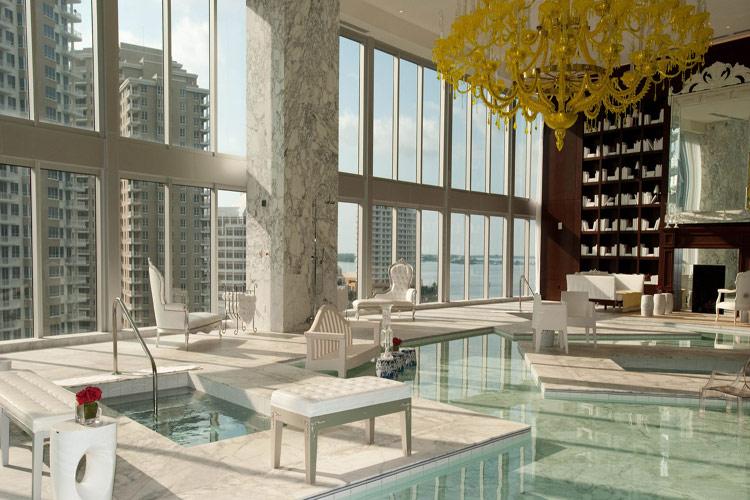 ده استخر سرپوشیده برتر هتلهای دنیا