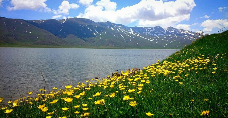 دریاچه زیبای نئور، مقصدی برای دوستداران طبیعت