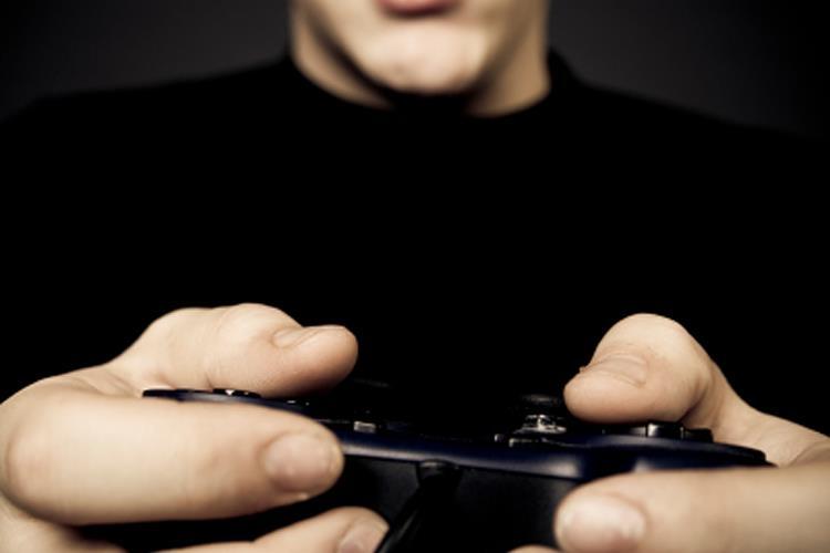 مغز کسانی که اعتیاد به بازیهای کامپیوتری دارند حالت خاص دارد
