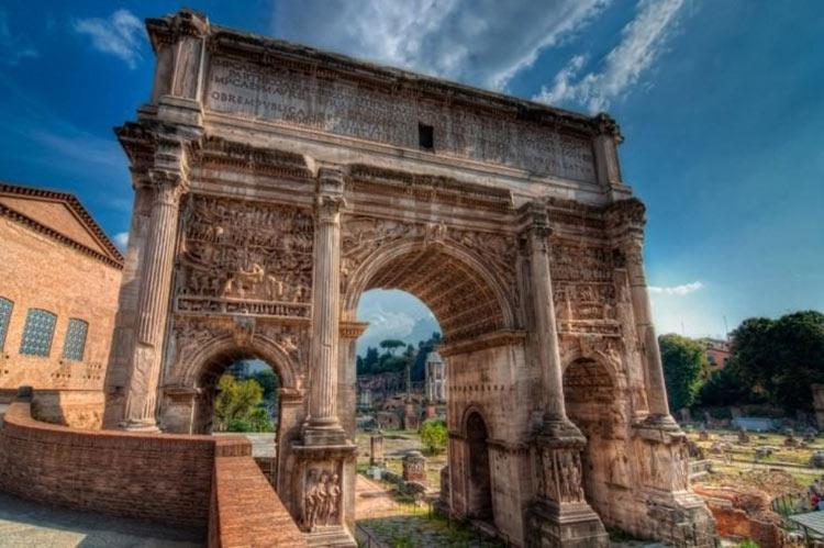 ده سایت باستانی محبوب گردشگران