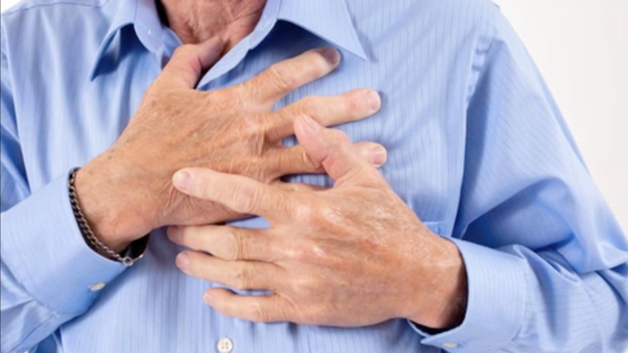 با این روشها به کسانی که دچار حمله قلبی میشوند کمک کنید
