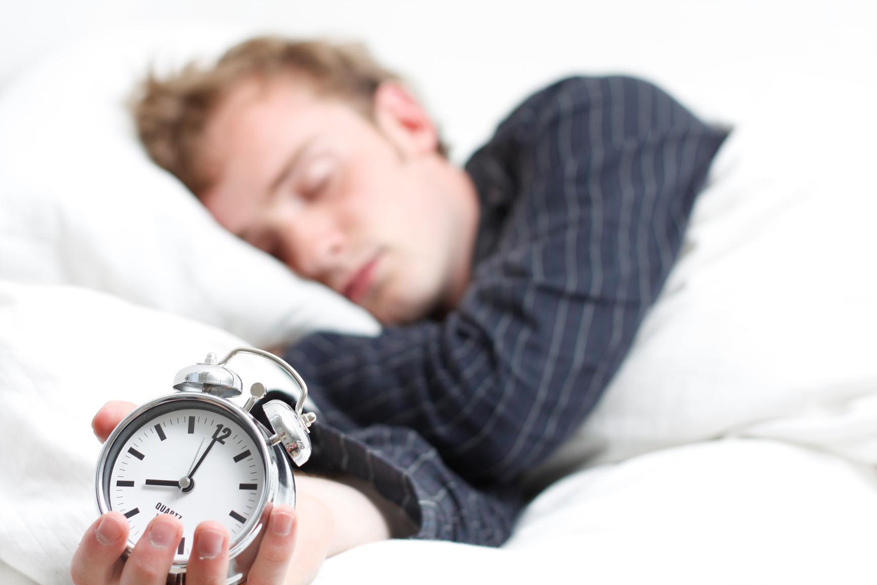 چرا بیخواب میشویم و چگونه میتوان با آن مقابله کرد؟