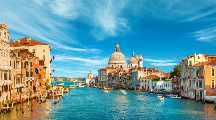 10 مکان رویایی برای تعطیلاتی رمانتیک