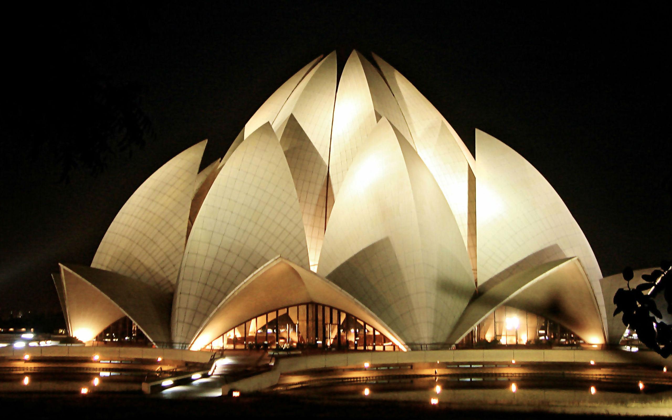 معماری عجیب ساختمانهایی که شبیه چیز دیگری هستند