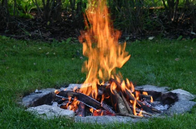 روشهای صحیح درست کردن و کنترل آتش در طبیعت