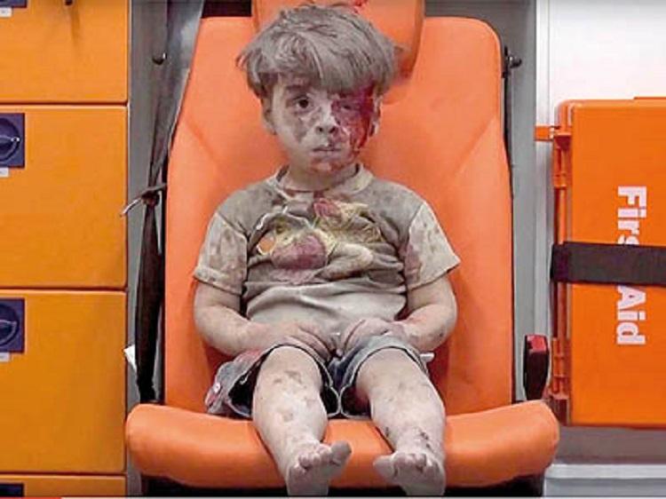 در پی انتشار ویدئویی از پسر بچه سوری، روسیه برای آتشبس دو روزه در حلب اعلام آمادگی کرد