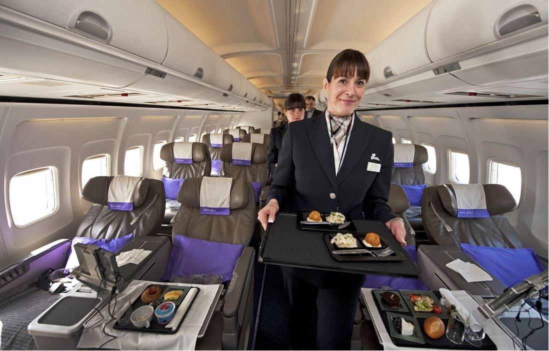 نکاتی که از مهمانداران هواپیما نمیدانیم