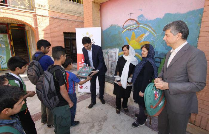 مشارکت الجی در یاریرسانی به دانشآموزان نیازمند
