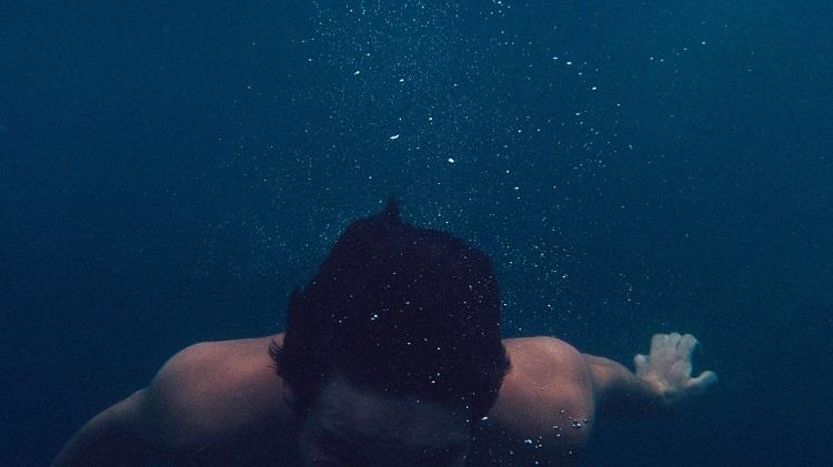 پژوهش دانشمندان درباره تاثیرات شنا بر مغز و سلامت روان